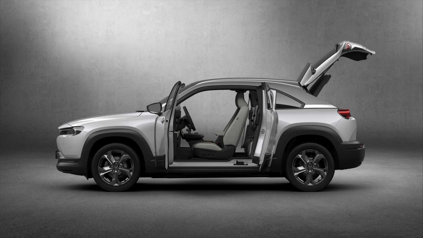 Đánh giá xe Mazda MX-30 2021 về khoang hành lý.