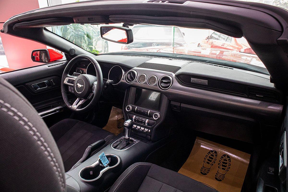 "Ford Mustang Convertible 2020: ""Ngựa hoang"" rẻ hơn Chevrolet Camaro tại Việt Nam a15"