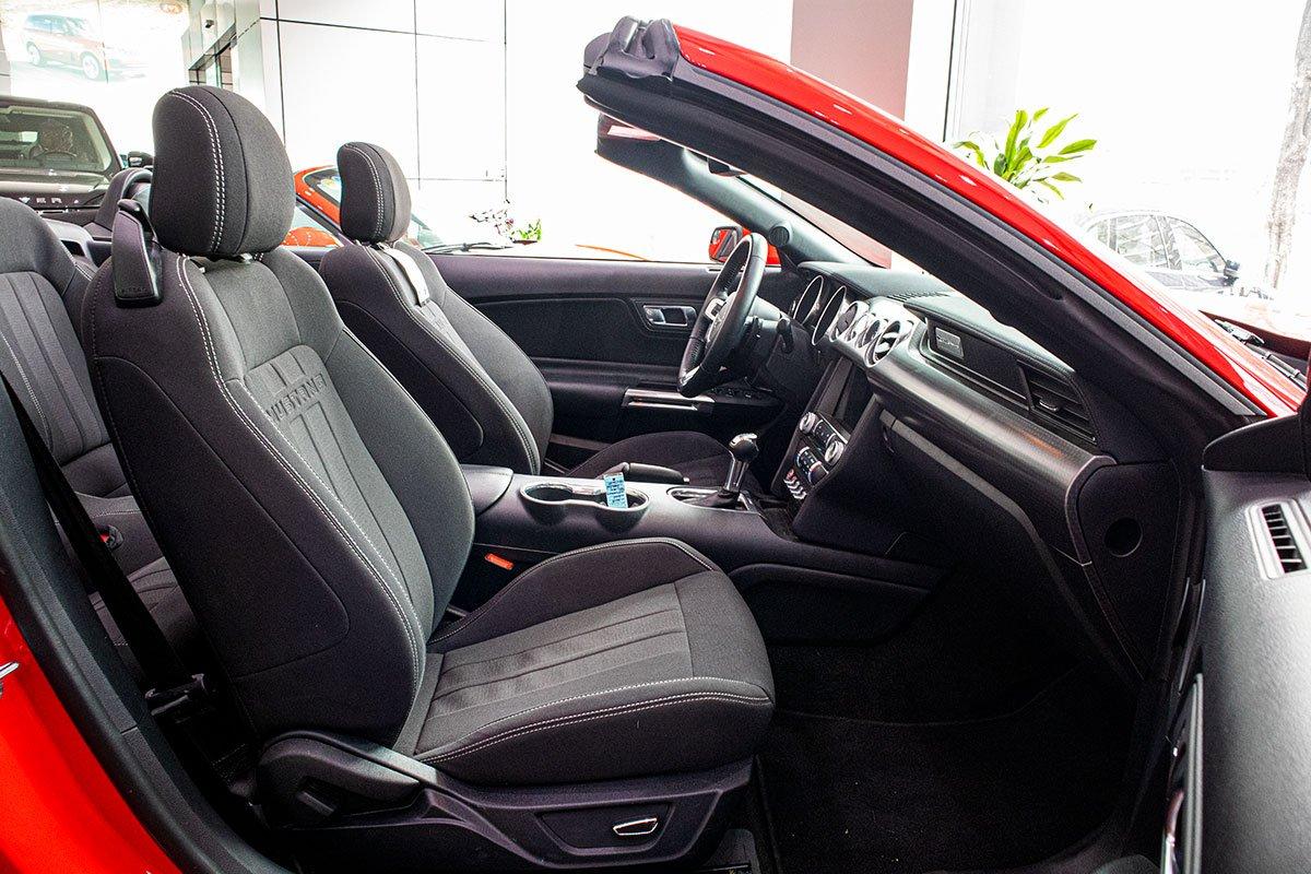 "Ford Mustang Convertible 2020: ""Ngựa hoang"" rẻ hơn Chevrolet Camaro tại Việt Nam a16"