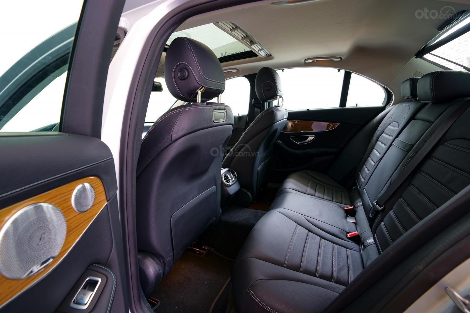 Bán xe Mercedes-Benz C250 Exclusive đăng ký 2019 - 1 tỷ 5 (7)