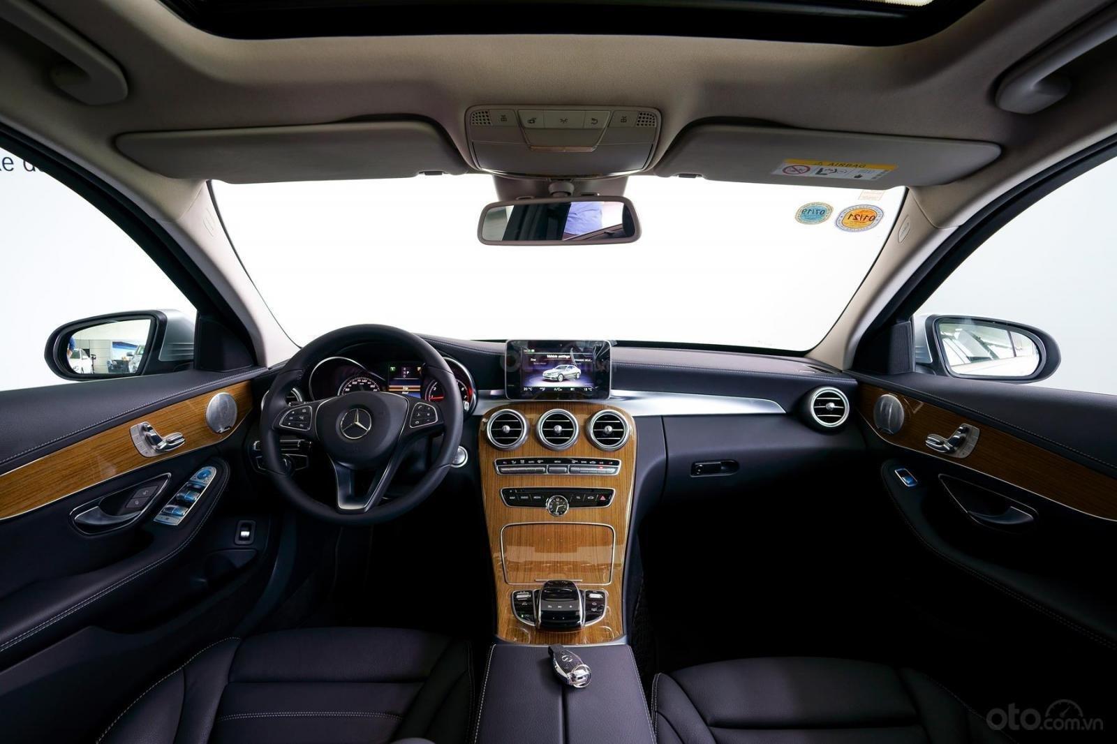 Bán xe Mercedes-Benz C250 Exclusive đăng ký 2019 - 1 tỷ 5 (9)