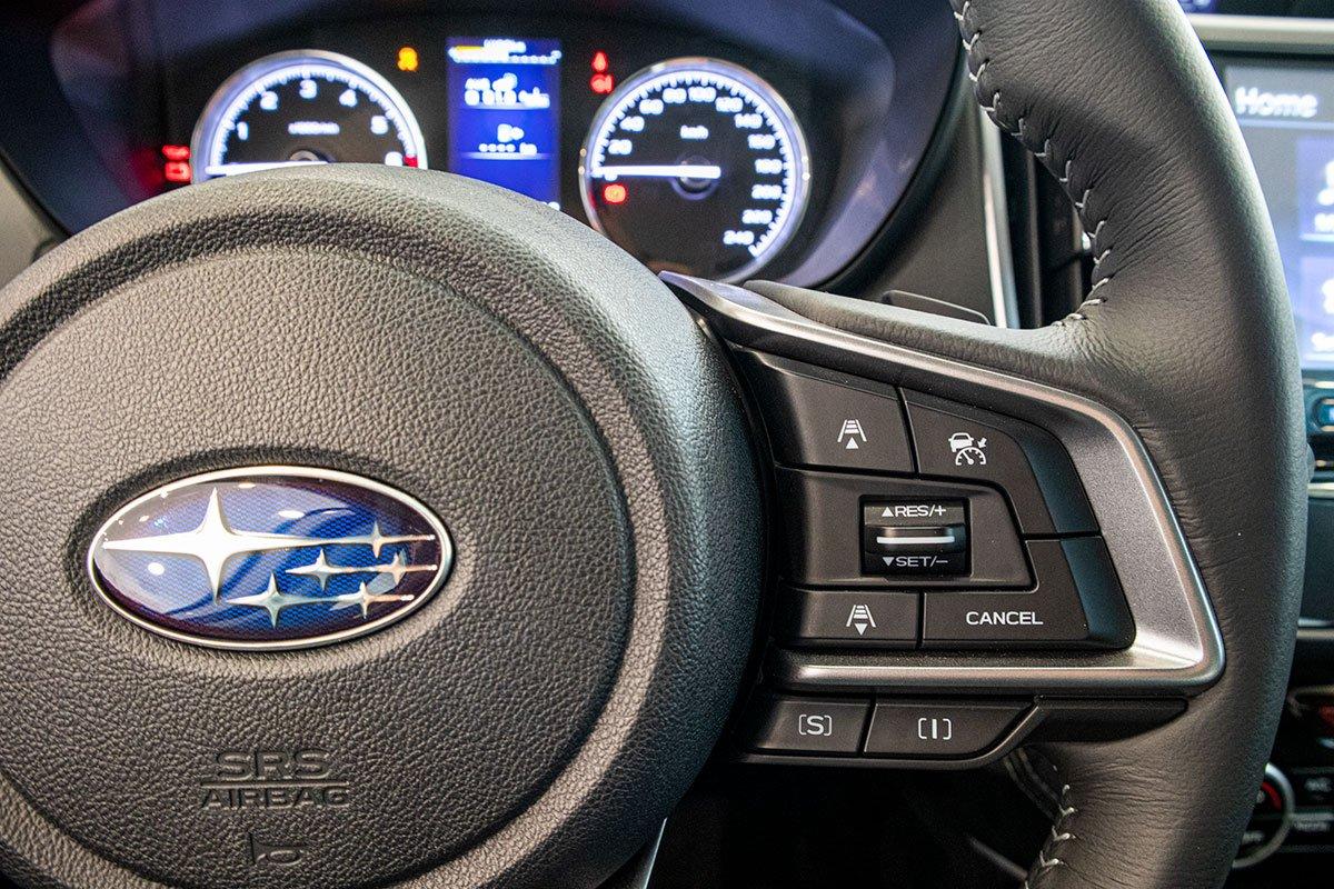 Ảnh chụp phím vô-lăng xe Subaru Forester 2019-2020