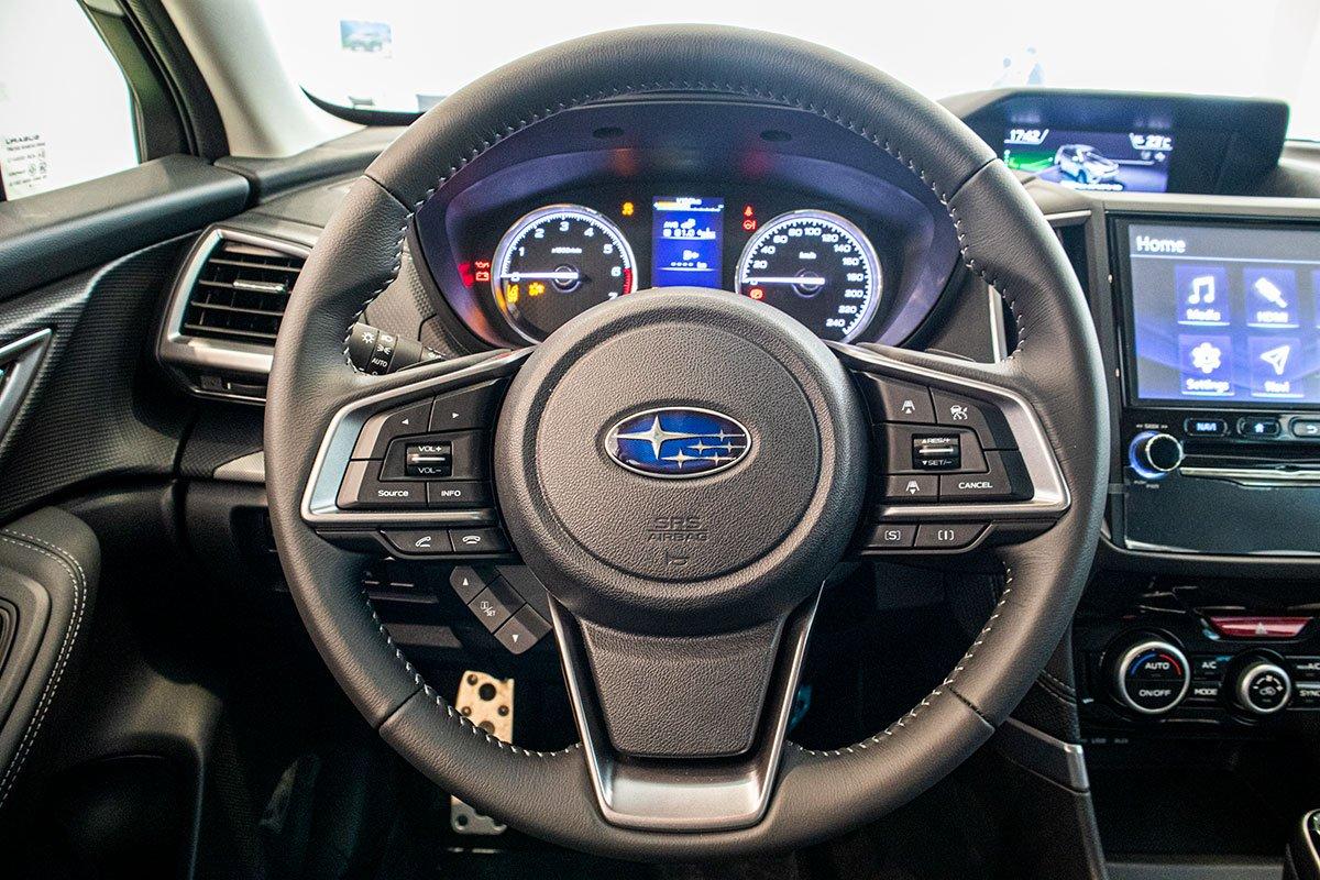 Ảnh chụp vô-lăng xe Subaru Forester 2019-2020