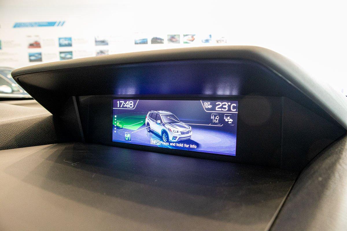 Ảnh chụp Màn hình quan sát camera xe Subaru Forester 2019-2020