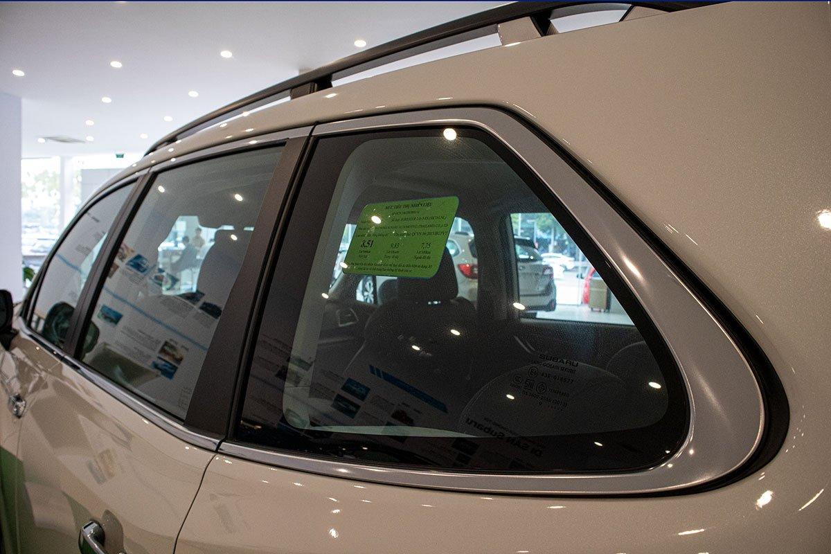Ảnh chụp viền cửa sổ xe Subaru Forester 2019-2020