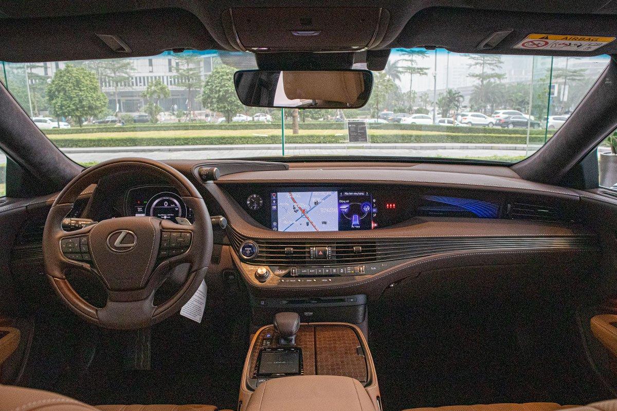 Nội thất sang trọng xe Lexus LS500h 2020