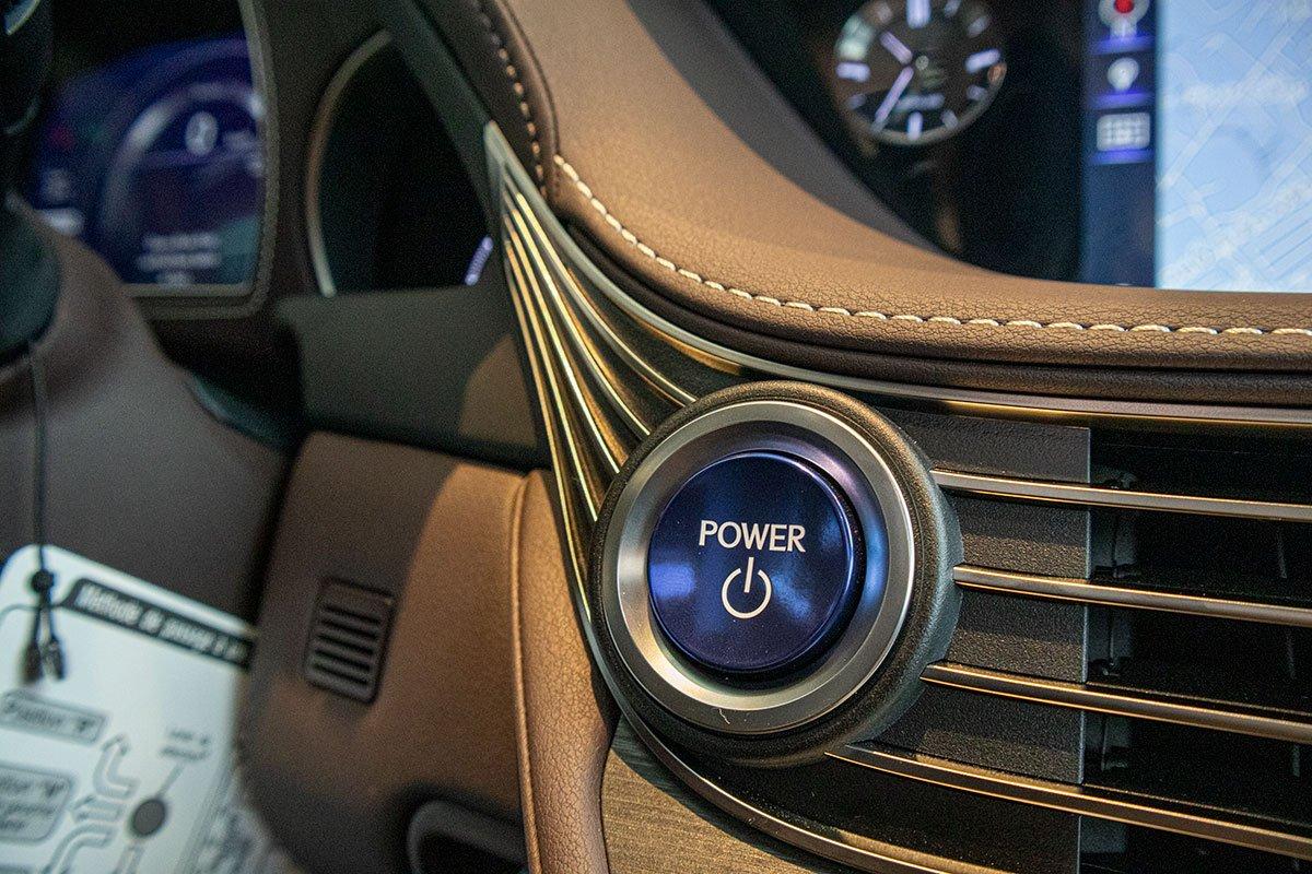Nút bấm khởi động xe Lexus LS500h 2020