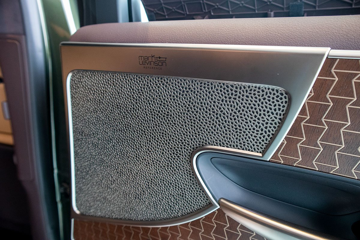 Loa xe Lexus LS500h 2020