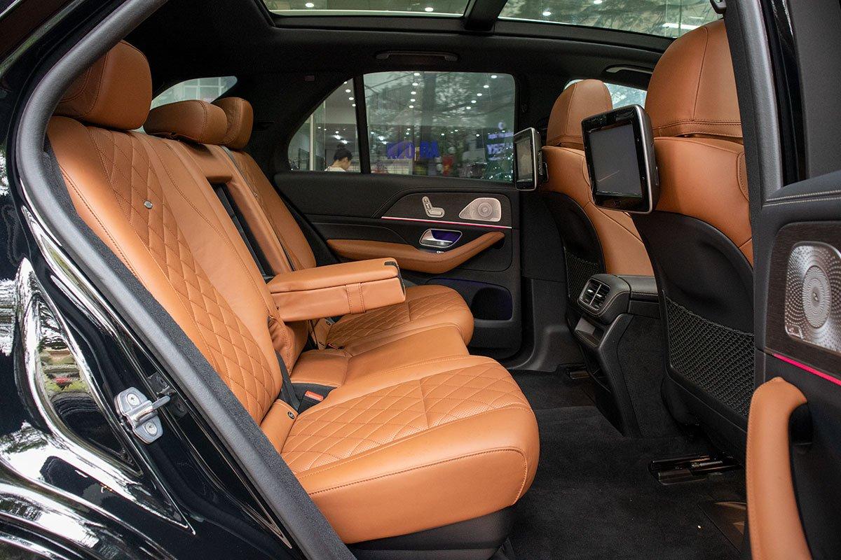 Ảnh chụp ghế sau xe Mercedes-Benz GLE300 Diesel 2020