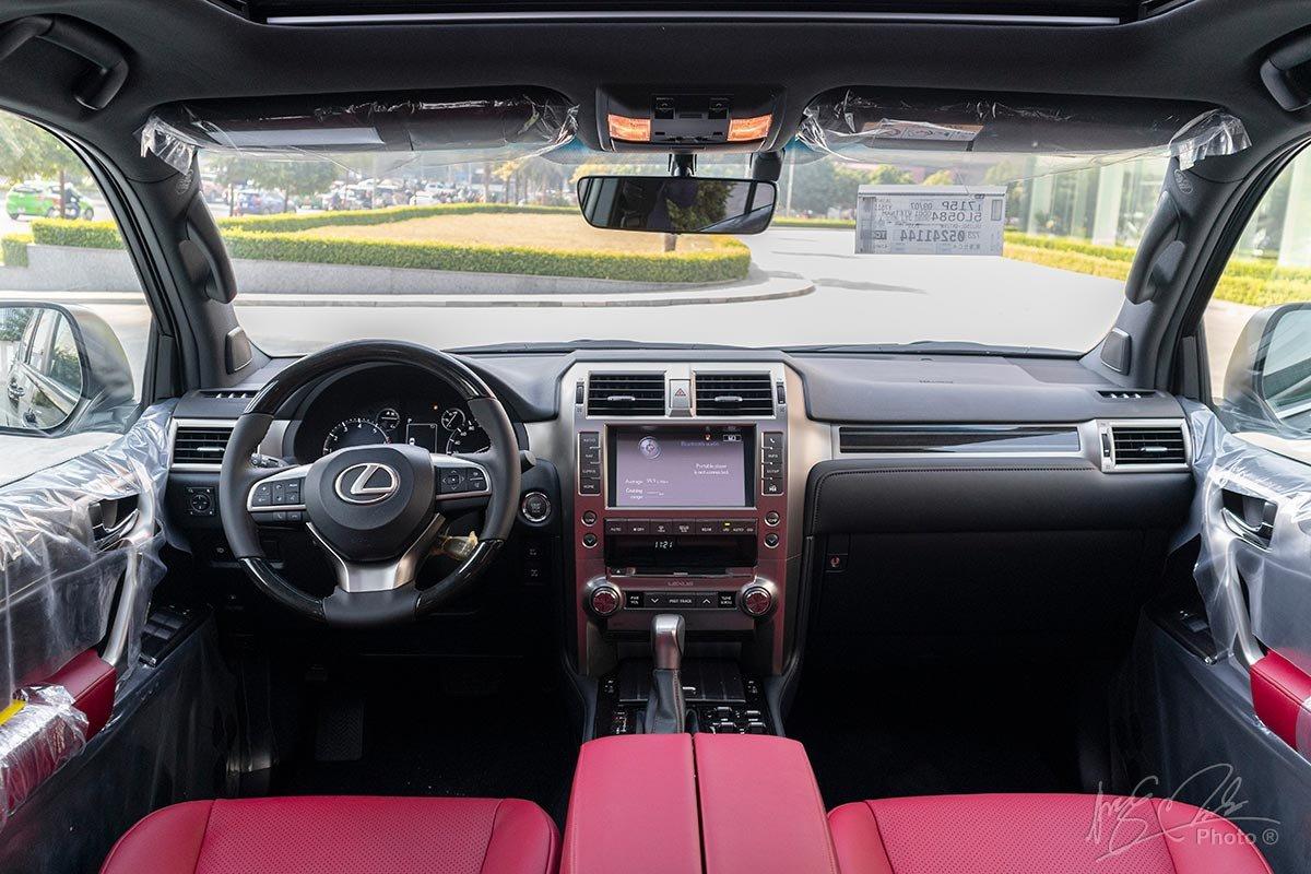Đánh giá xe Lexus GX 460 2020: Tổng thể thiết kế nội thất vẫn được giữ nguyên như 10 năm trước.