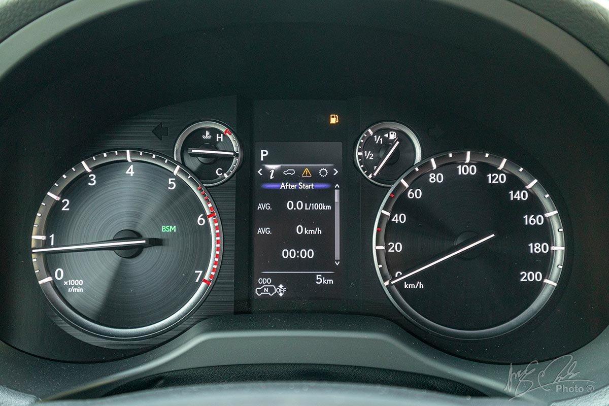 Đánh giá xe Lexus GX 460 2020: Màn hình hiển thị thông tin đã được làm mới.