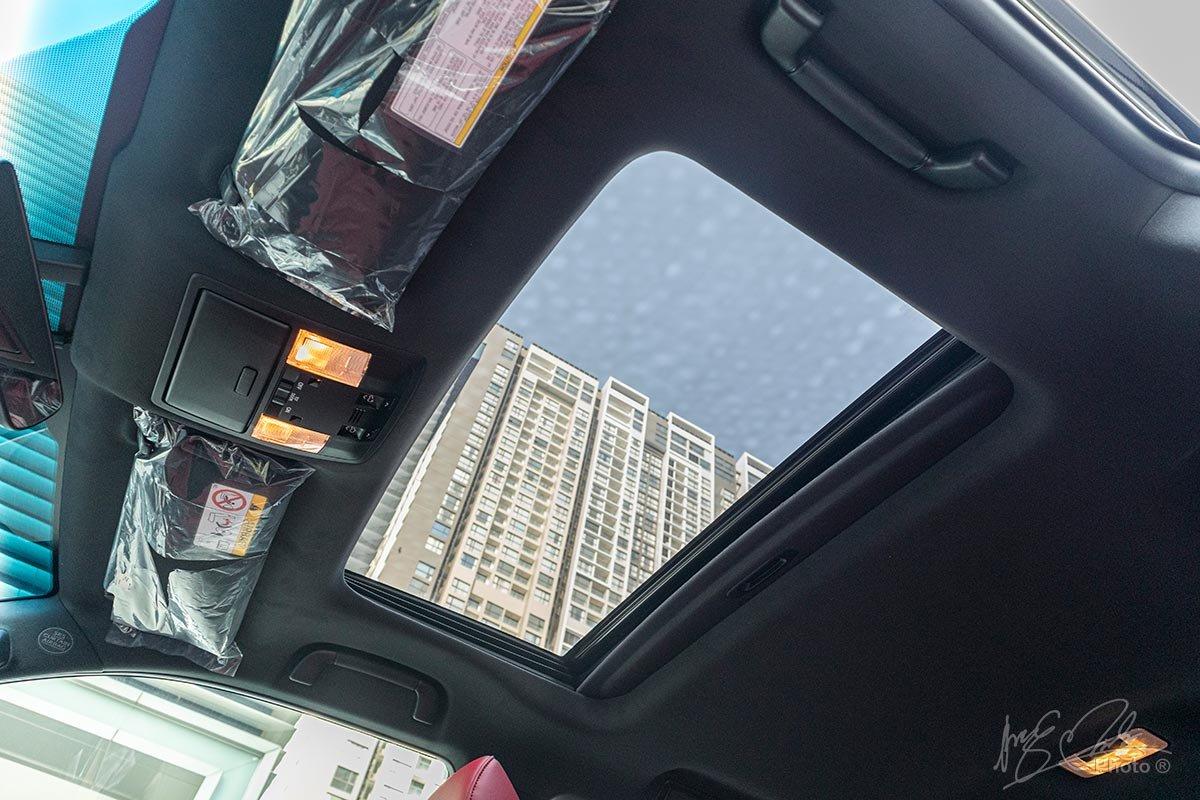Đánh giá xe Lexus GX 460 2020: Cửa sổ trời.