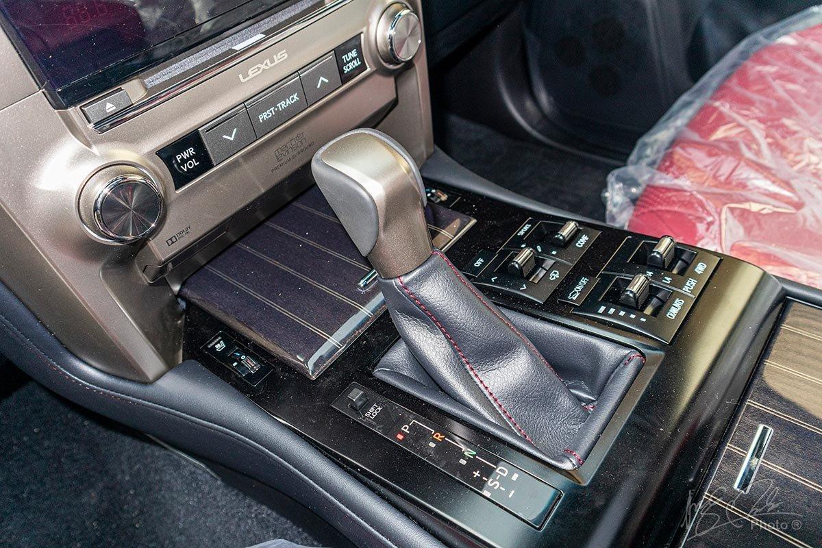 Đánh giá xe Lexus GX 460 2020: Hộp số tự động 6 cấp.