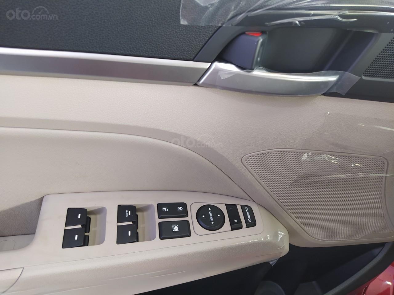 Hyundai An Phú bán Hyundai Elantra giá tốt, góp 90%, xe giao ngay, liên hệ Mr Nghĩa để được hỗ trợ tốt nhất (5)
