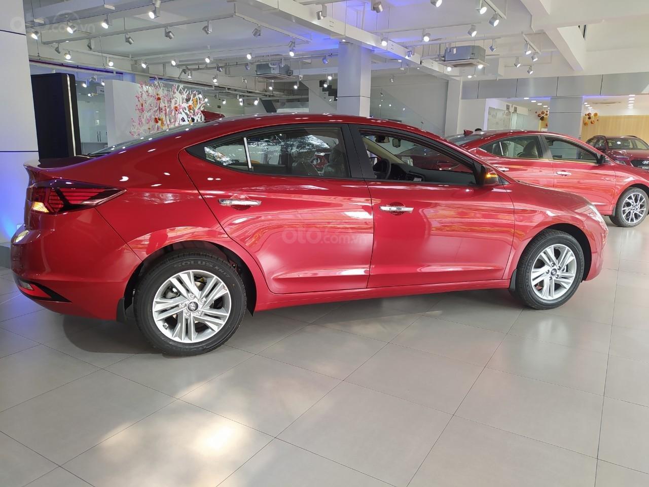 Hyundai An Phú bán Hyundai Elantra giá tốt, góp 90%, xe giao ngay, liên hệ Mr Nghĩa để được hỗ trợ tốt nhất (1)