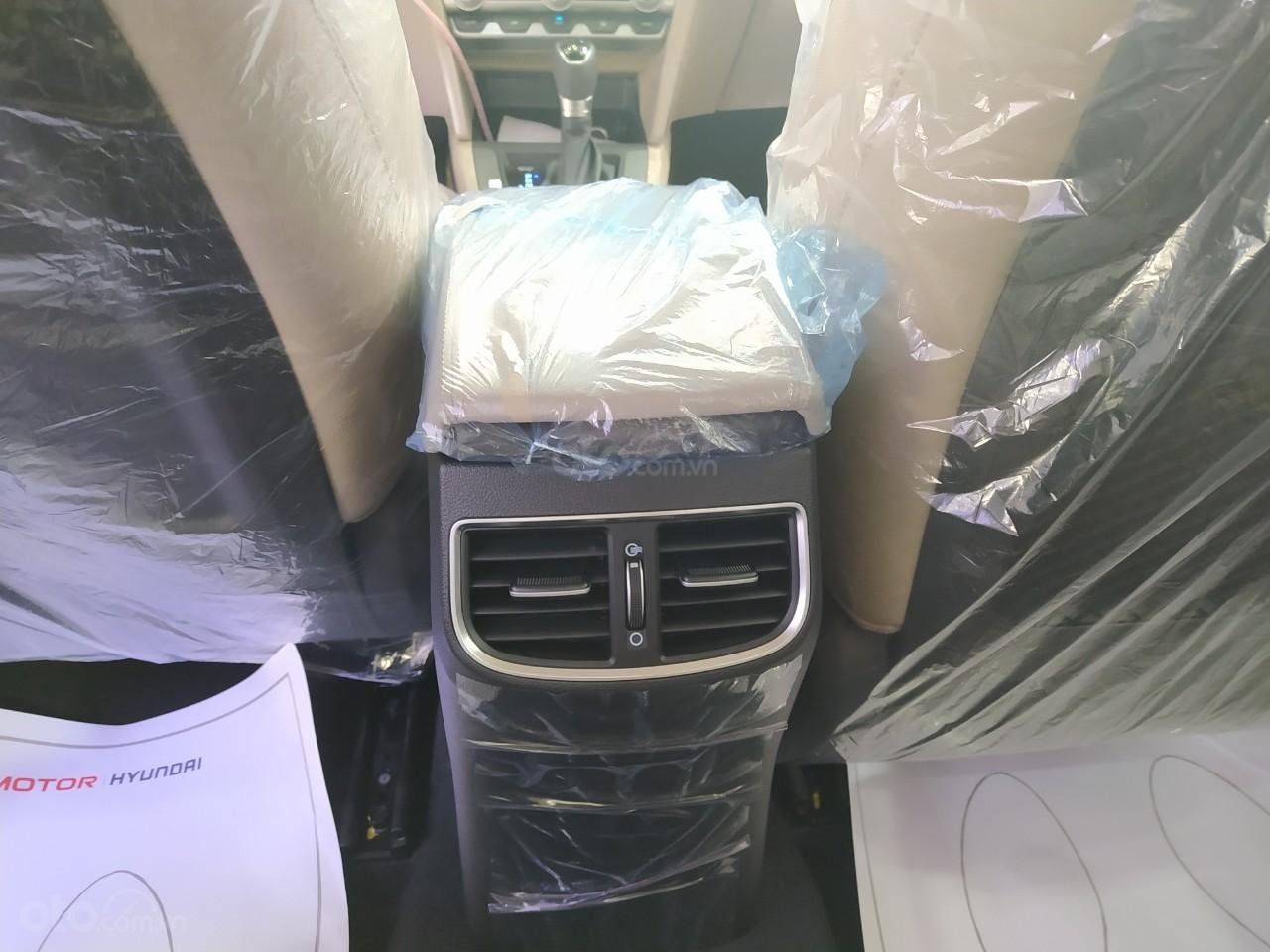 Hyundai An Phú bán Hyundai Elantra giá tốt, góp 90%, xe giao ngay, liên hệ Mr Nghĩa để được hỗ trợ tốt nhất (10)