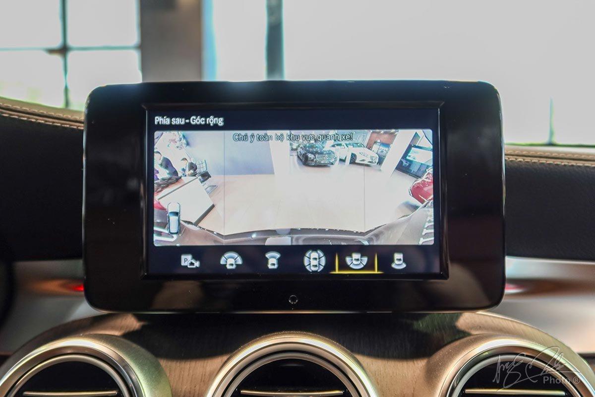 Camera 360 độ trên Mercedes-Benz GLC 2020.