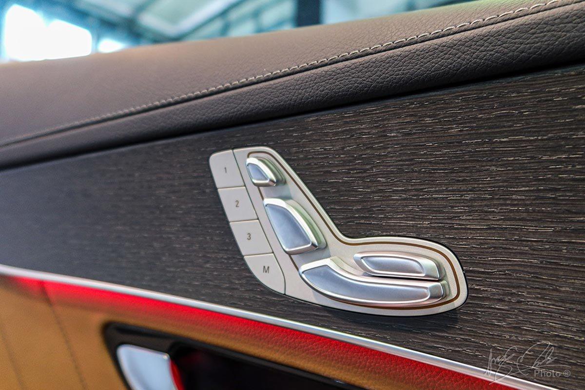 Hàng ghế trước chỉnh điện 14 hướng và nhớ ghế 3 vị trí trên Mercedes-Benz GLC 2020.
