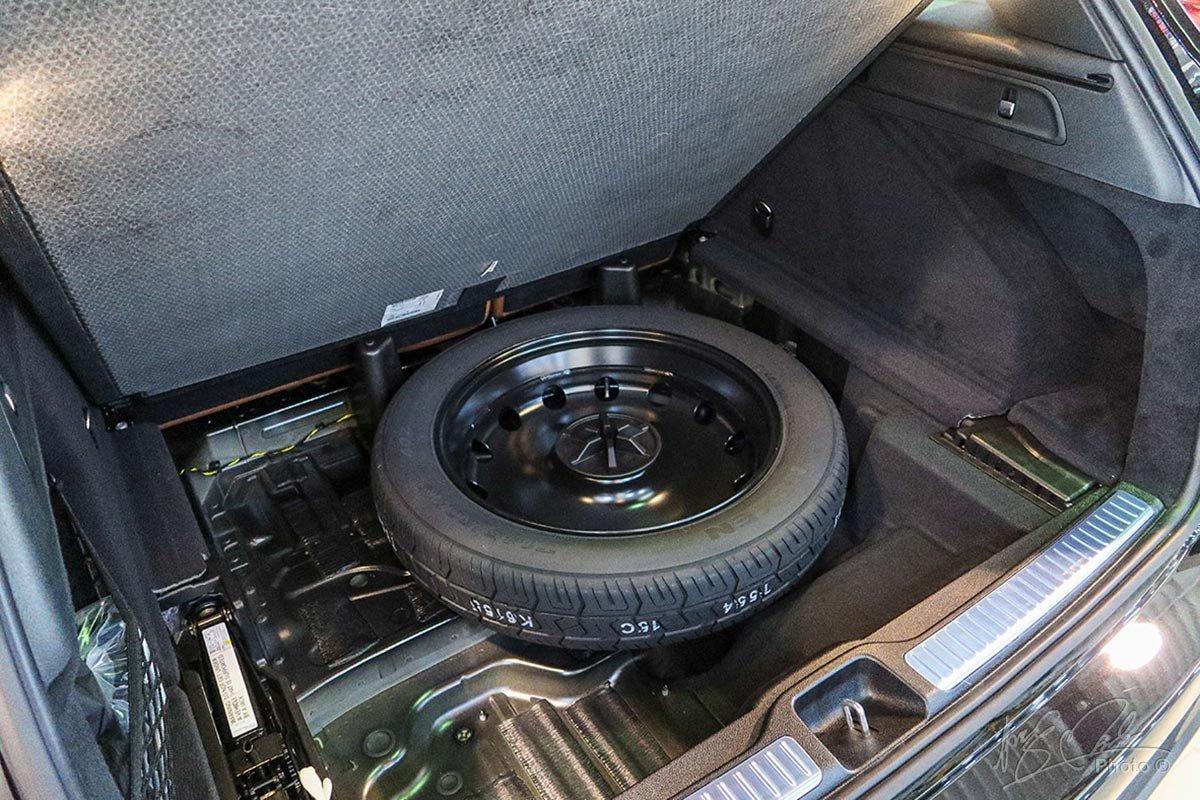 Trên phiên bản GLC-CLass 2020, lốp dự phòng đã được trang bị tiêu chuẩn.