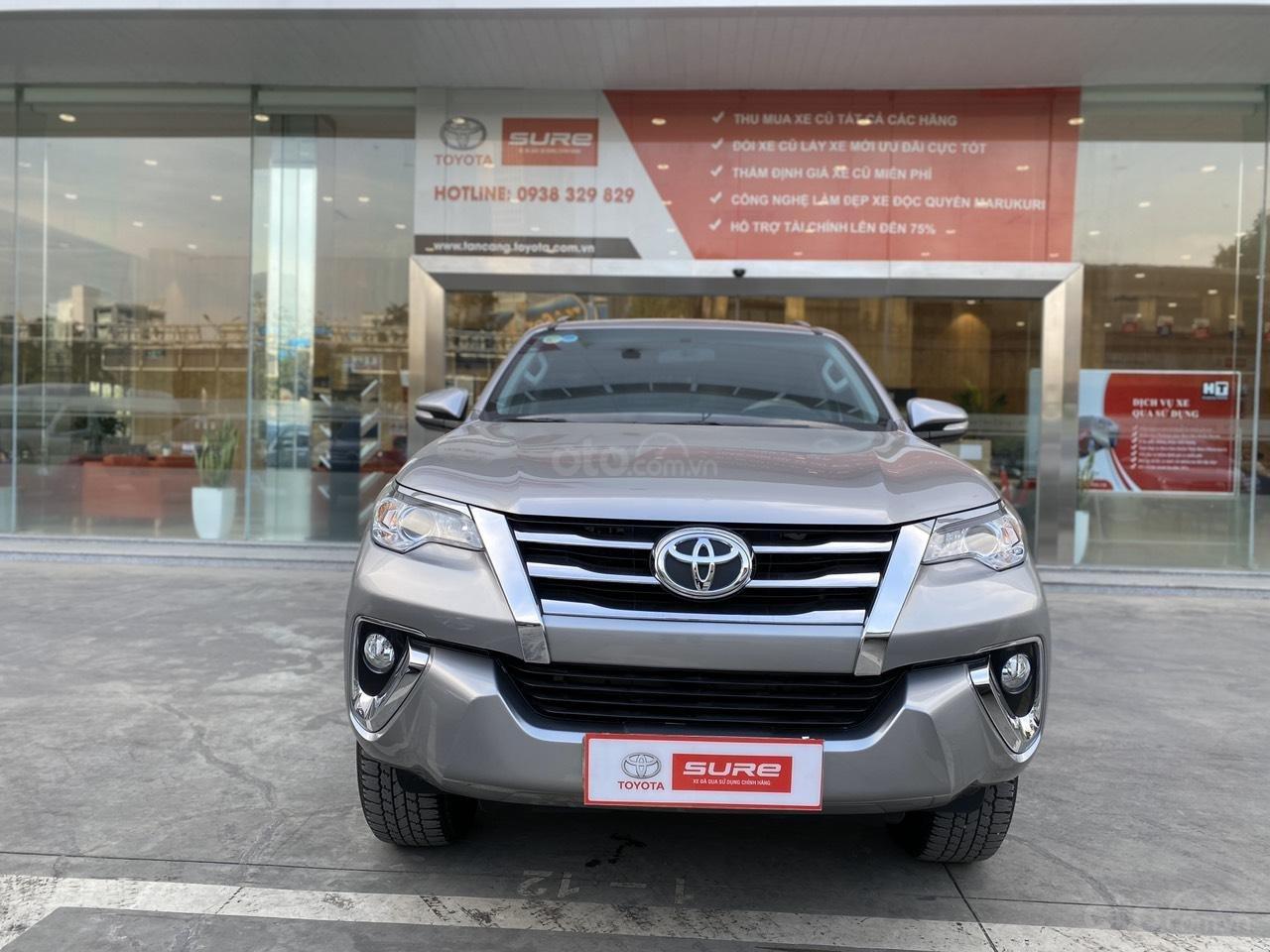 Bán Toyota Fortuner 2.7V 4x2 AT 2017, màu bạc, nhập khẩu, đi 23.000km giá 970tr (1)