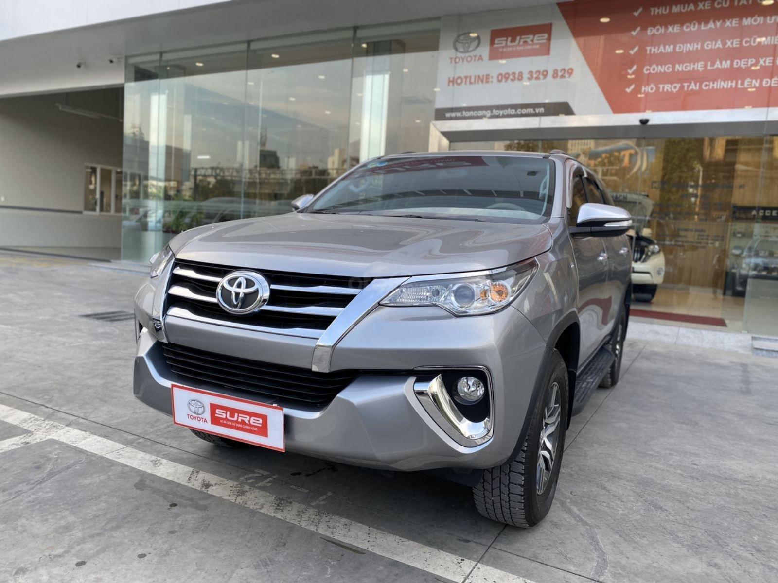 Bán Toyota Fortuner 2.7V 4x2 AT 2017, màu bạc, nhập khẩu, đi 23.000km giá 970tr (3)