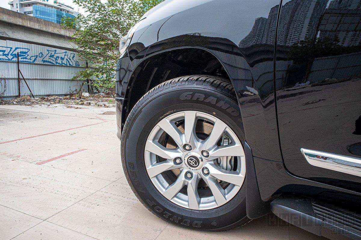 Hình ảnh mâm xe Toyota Land Cruiser 2020