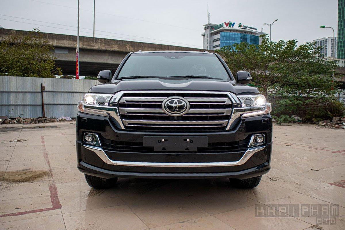 Ảnh chụp đầu xe Toyota Land Cruiser 2020