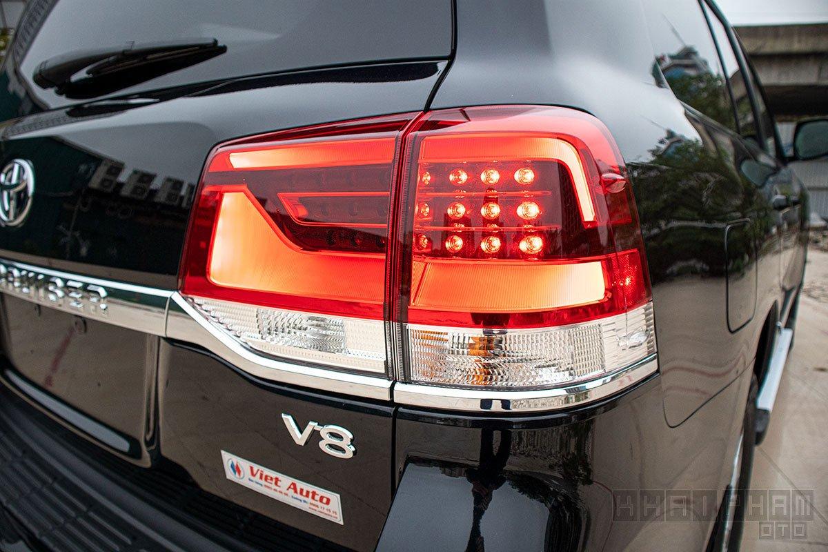 Hình ảnh đèn hậu xe Toyota Land Cruiser 2020
