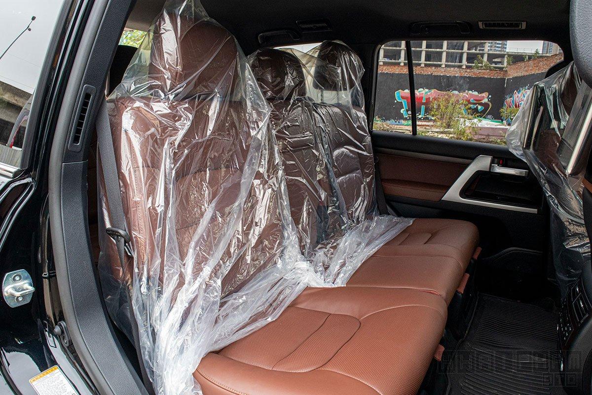 Ảnh chụp ghế hàng 3 xe Toyota Land Cruiser 2020