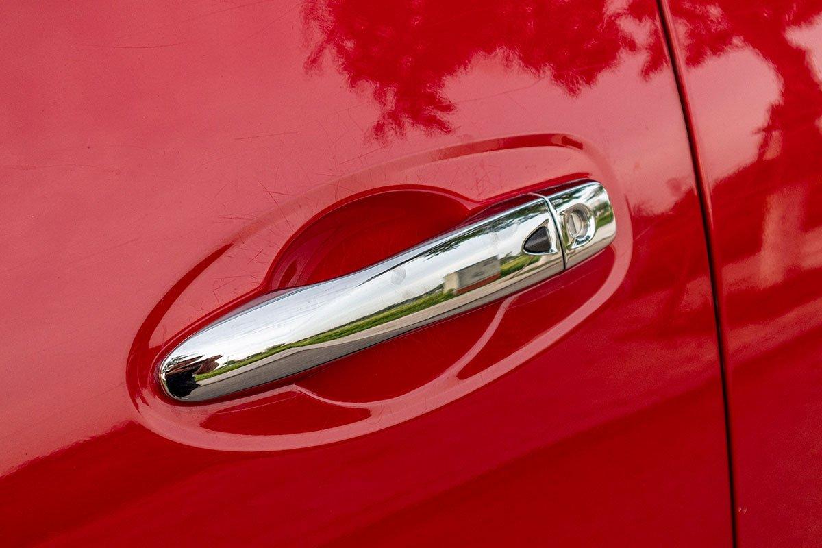 Hình ảnh tay nắm cửa xe Nissan Terra 2020