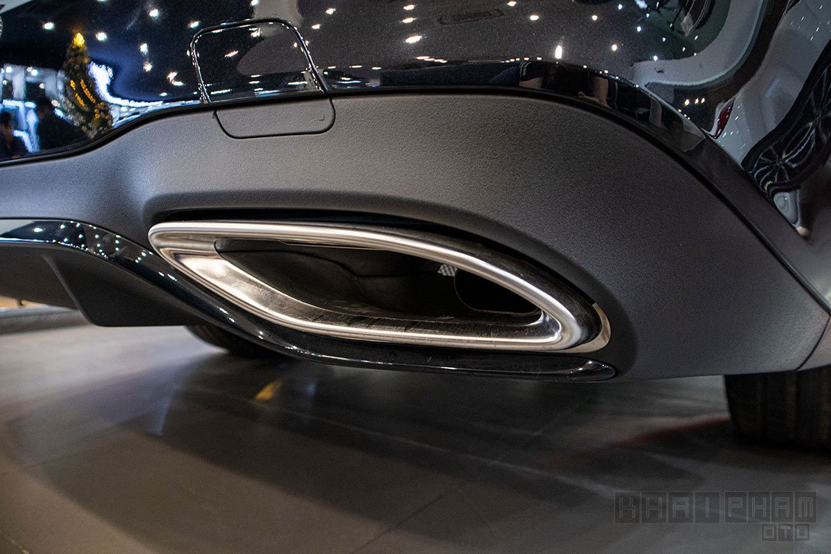 Ống xả xe Mercedes-Benz E300 AMG 2020