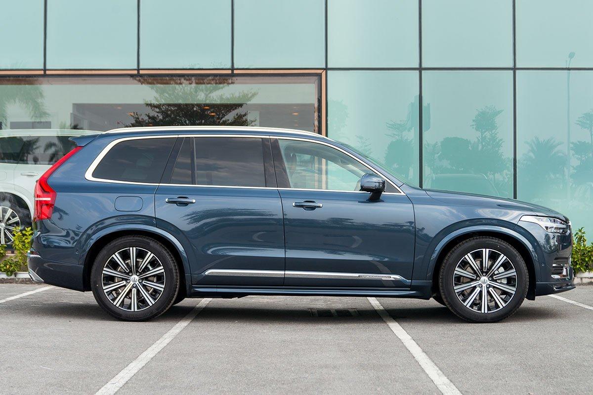 Đánh giá xe volvo xc90 2020: Bộ la-zăng đa chấu kiểu mới là thứ được Volvo nâng cấp cho phiên bản 2020.