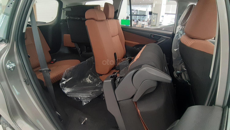 Toyota Innova E 2020 - Đại lý cấp 1- Đập thùng 142tr + phí lấy xe, vay 80% góp lãi thấp (7)