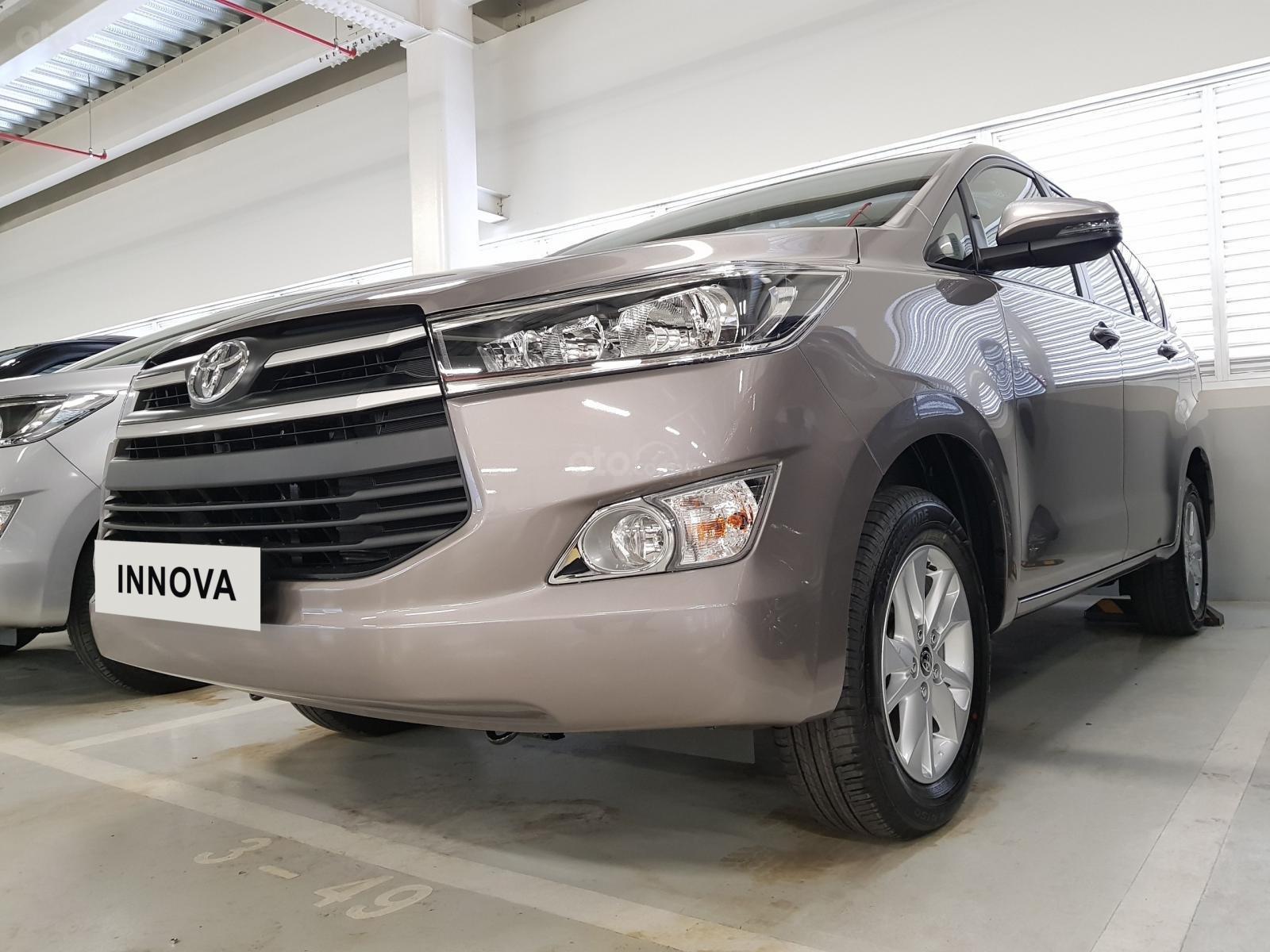Toyota Innova E 2020 - Đại lý cấp 1- Đập thùng 142tr + phí lấy xe, vay 80% góp lãi thấp (8)