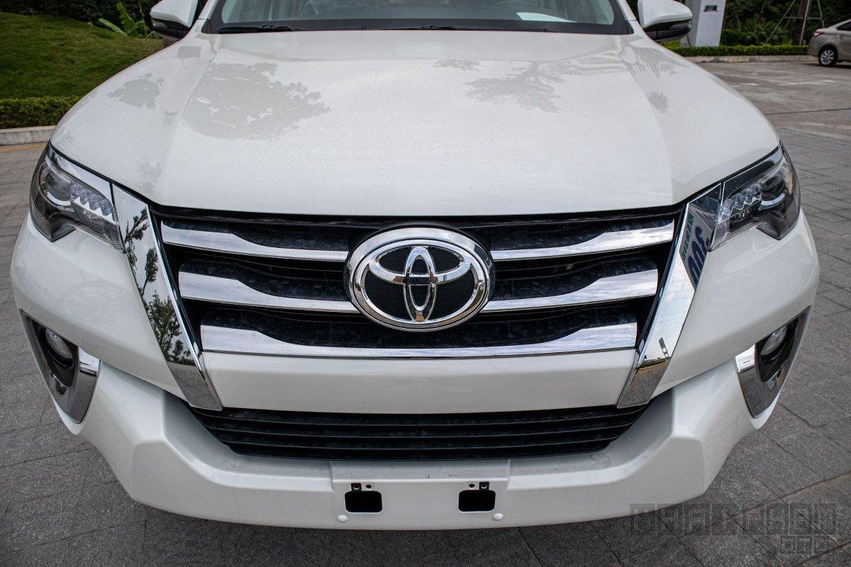 Ảnh chụp đầu xe Toyota Fortuner 2020