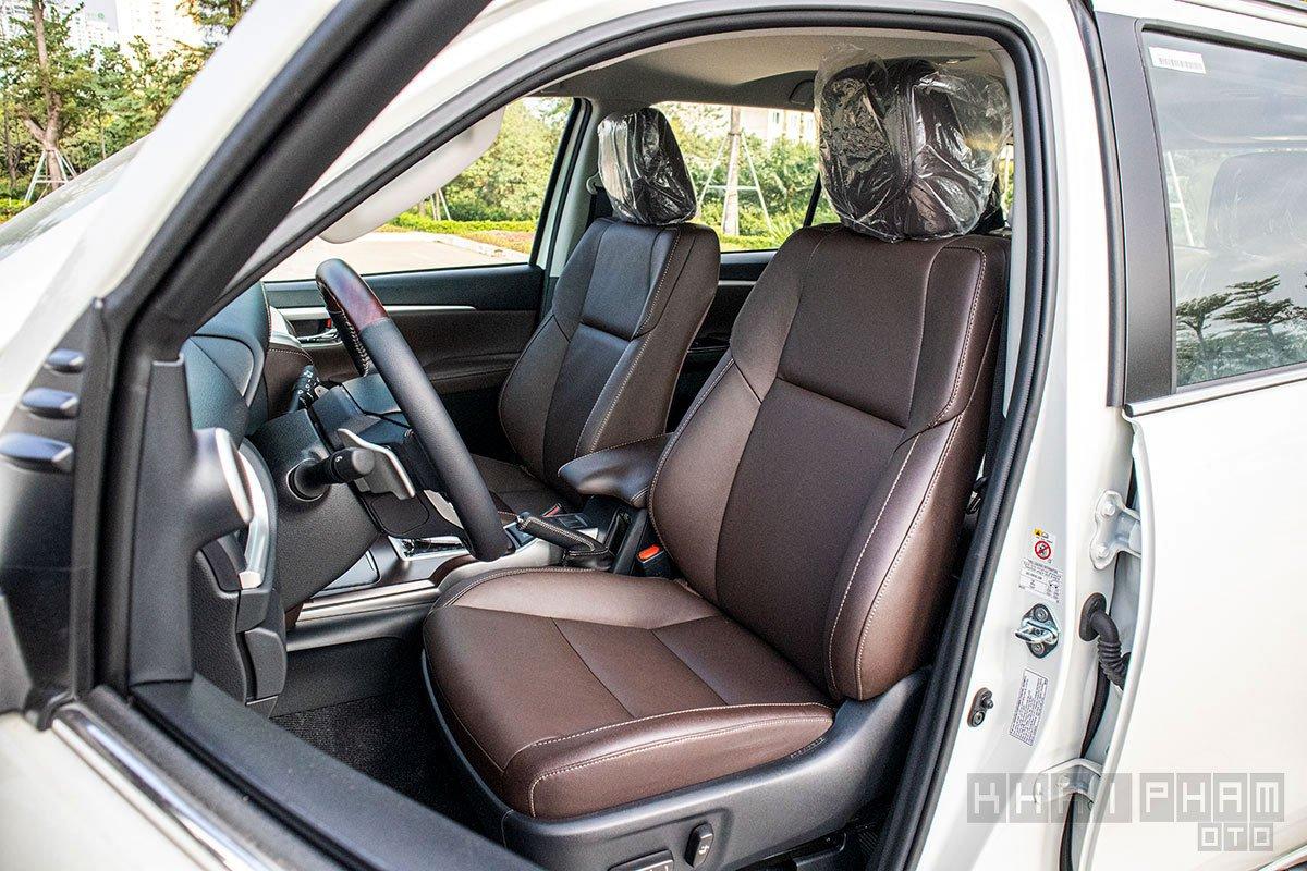 Ảnh chụp ghế ngồi xe Toyota Fortuner 2020