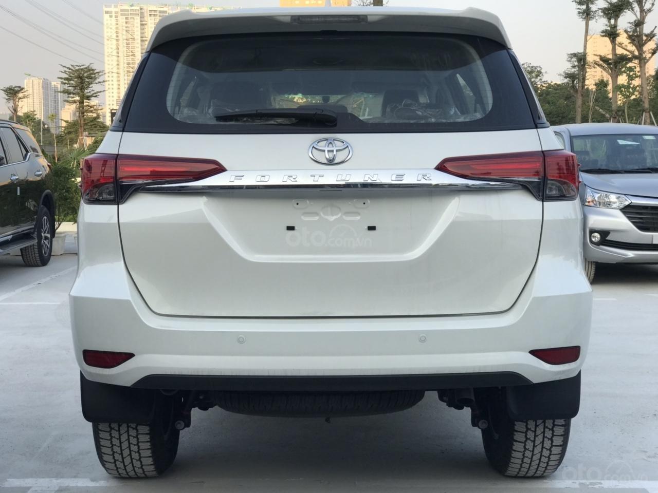 Toyota Fortuner 2.4 G số tự động 1 cầu 2020 tặng thuế TB, tặng BHVC + phụ kiện cao cấp, trả góp từ 300tr - LH 0942456838 (3)
