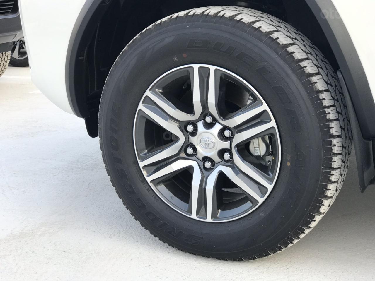 Toyota Fortuner 2.4 G số tự động 1 cầu 2020 tặng thuế TB, tặng BHVC + phụ kiện cao cấp, trả góp từ 300tr - LH 0942456838 (8)