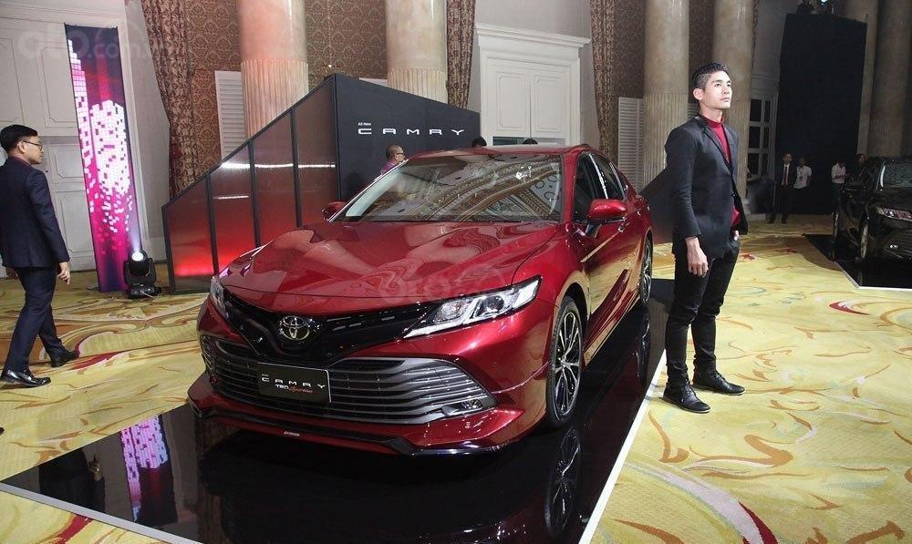 Bán Toyota Camry 2.5Q nhập Thái Lan, giao xe ngay, đủ màu, LH 0942456838 để nhận KM cực lớn (9)