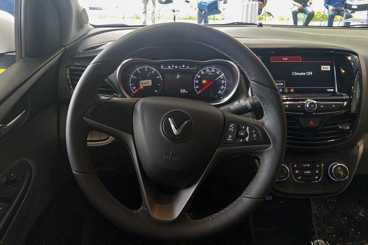 Đánh giá xe VinFast Fadil 2019: Vô-lăng.