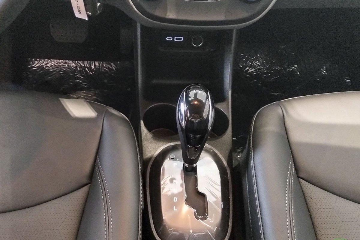Đánh giá xe VinFast Fadil 2019: Hộp số vô cấp CVT.