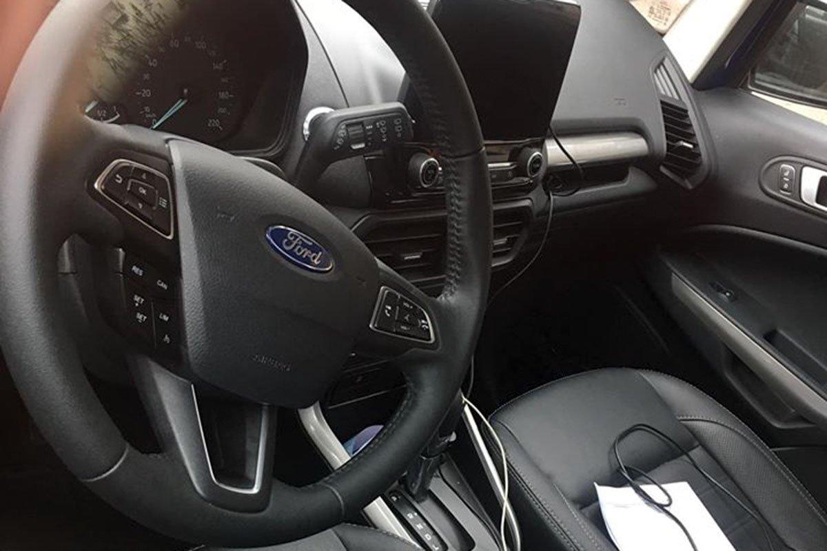 Vô-lăng của Ford EcoSport 2020 đã được tích hợp thêm tính năng Cruiser Control và Limit Control.