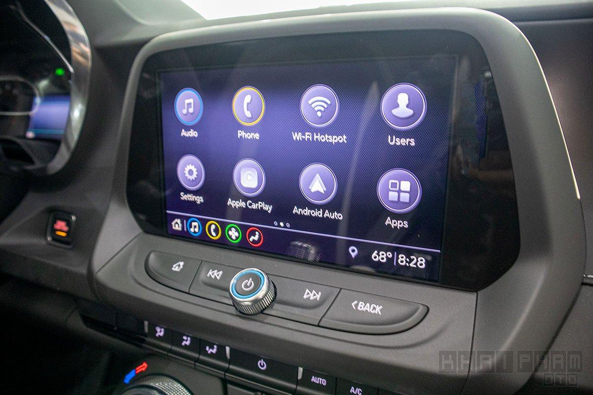Ảnh chụp màn hình giải trí xe Chevrolet Camaro mui trần 2019-2020