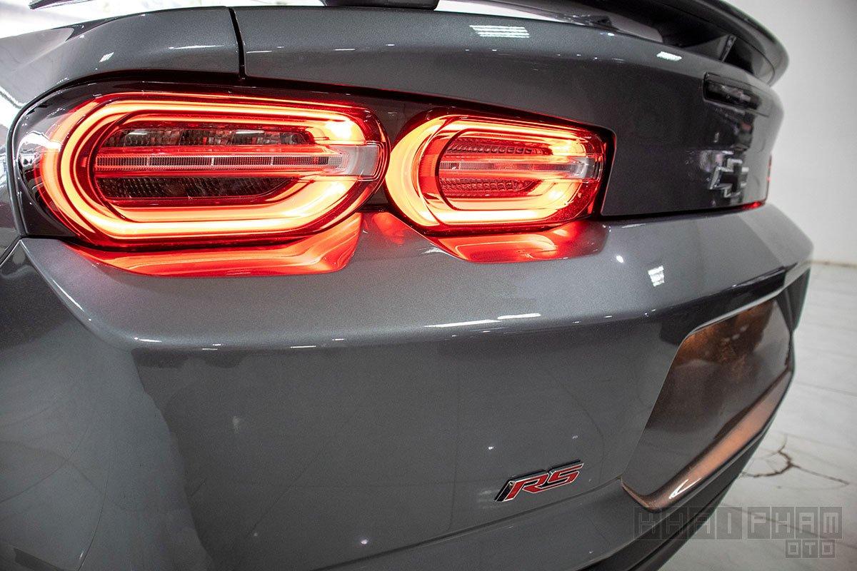 Hình ảnh cụm đèn hậu xe Chevrolet Camaro mui trần 2019-2020