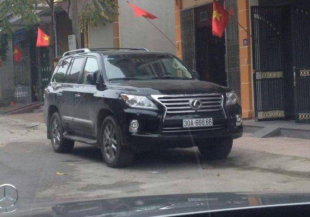 Đại gia Việt: Chơi xe Lexus LX570 đẳng cấp phải kèm biển siêu đẹp a3