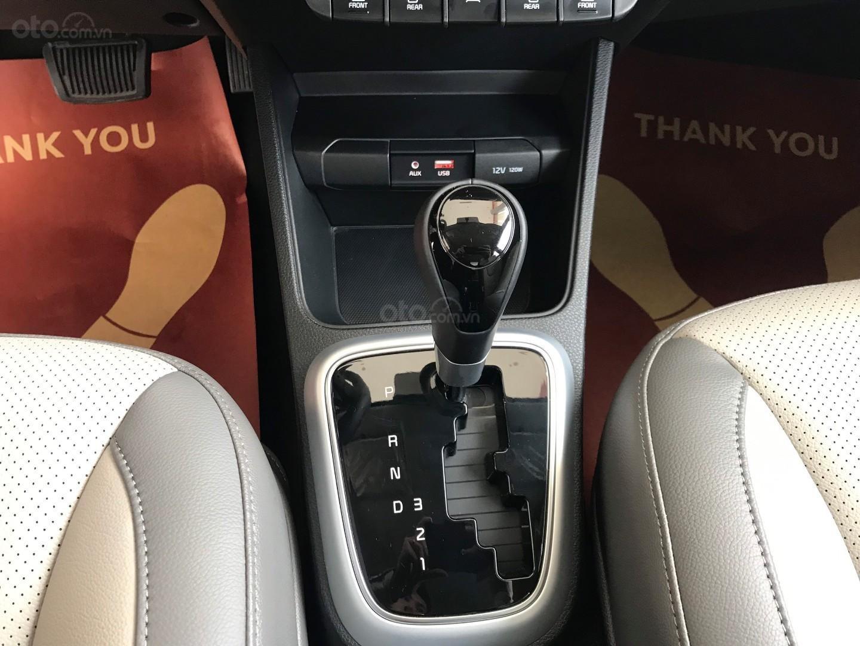 Kia Soluto 1.4 AT đời 2020, chỉ 128 triệu nhận xe- góp 5 triệu/tháng, giao xe ngay, LH: 0933.052.663 (7)
