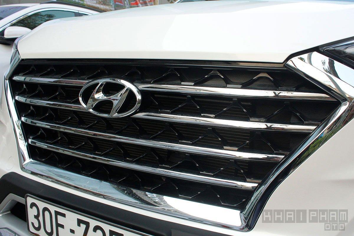 Ảnh chụp lưới tản nhiệt xe Hyundai Tucson 2020