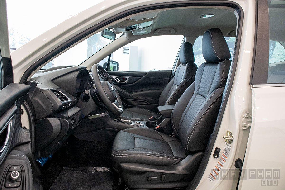 Ảnh chụp ghế trước xe Subaru Forester 2020