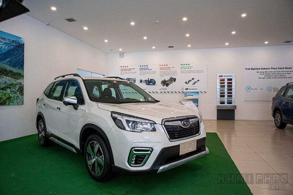 Ảnh chụp sau xe Subaru Forester 2020