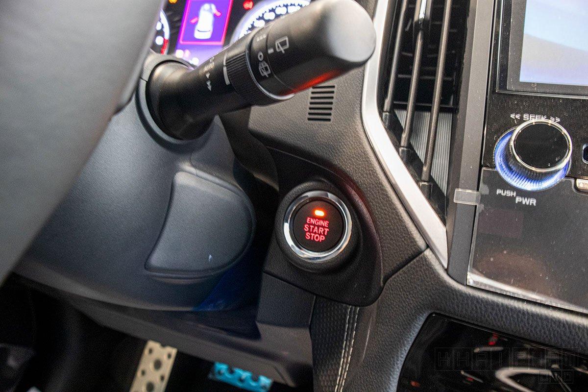 Ảnh chụp nút bấm khởi động xe Subaru Forester 2020
